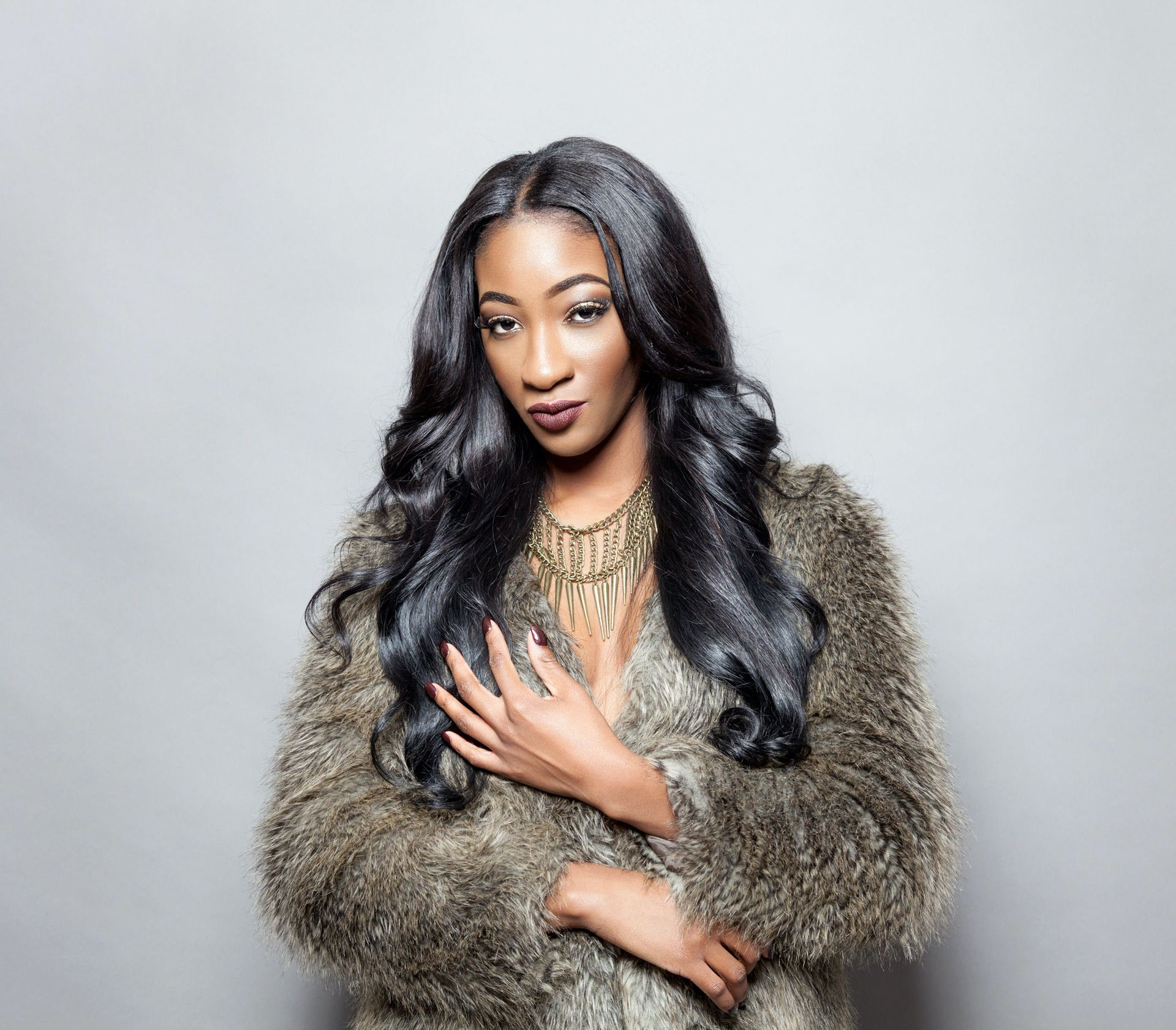Woman with body wave natural color
